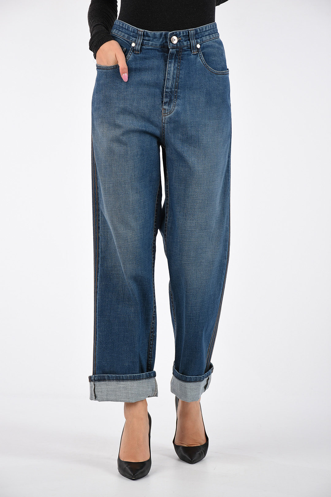 Loose Fit Women's Jeans / Discover our stylish loose fit jeans at asos.