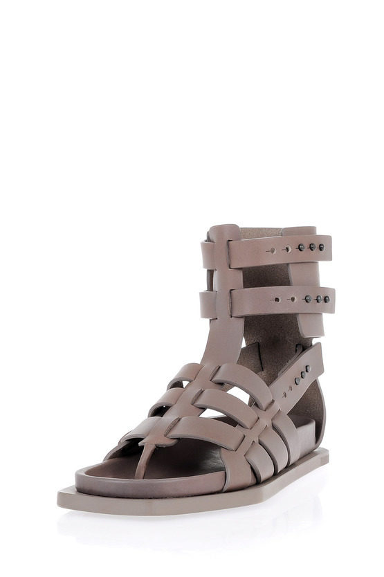FLAT GLADIATOR Sandals in Leather