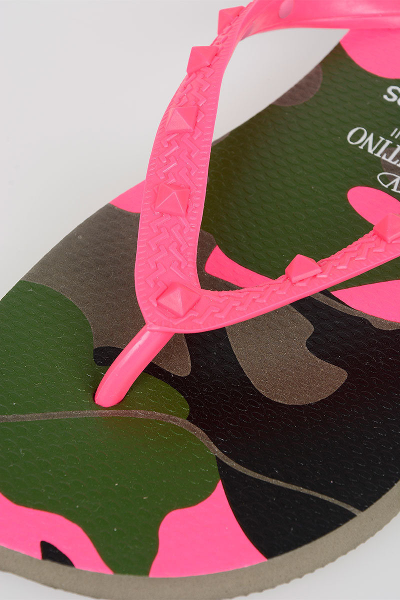 6b4e8df1582a Valentino HAVAIANAS Flip Flops Camouflage men - Glamood Outlet