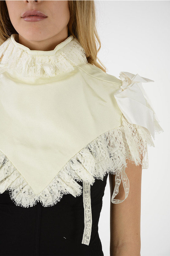 jabot with Lace