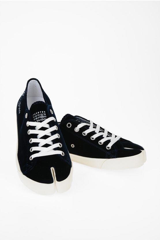 MM22 Chenille Sneakers
