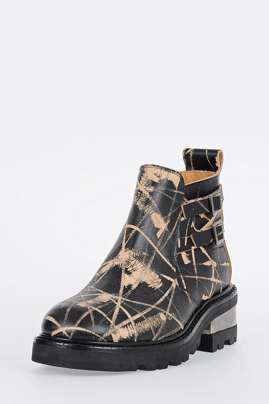 MM22 Scratched Leather Ankle Boots