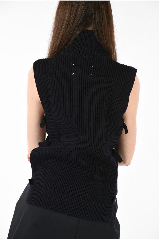 MM4 Knitted Sleeveless Top