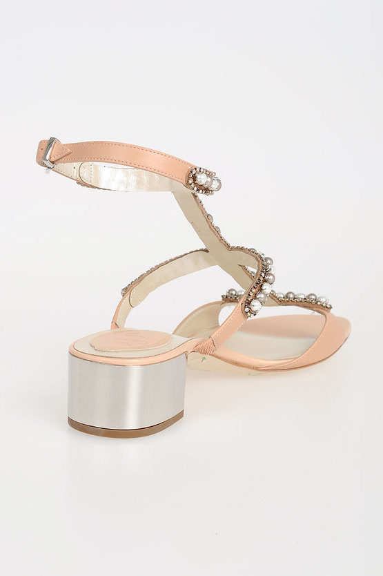 Sandals with Pearls