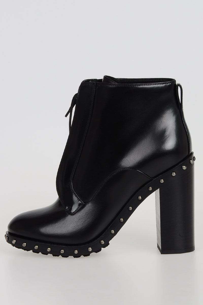 490ded4781a5 Dolce   Gabbana Studded LAWRENCE Booties women - Glamood Outlet